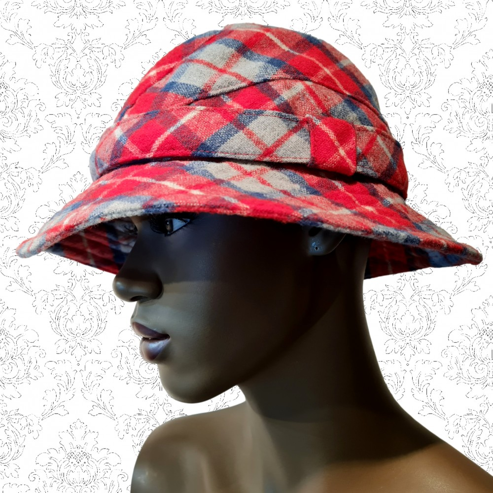 1970's Bus Stop Red Wool Hat